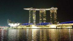 Kagumo(カグモ)シンガポールのMikanのシンガポール日記の中のマリーナベイ・サンズの夜景